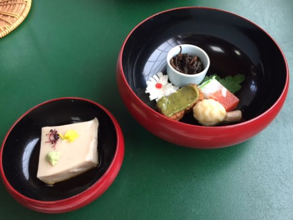 京都・大徳寺の精進料理「泉仙」