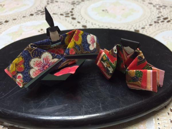 お家でひな祭り 折り紙でひな人形&桃の生け方