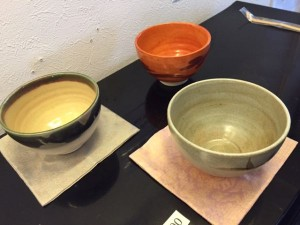 古帛紗と茶碗.JPG