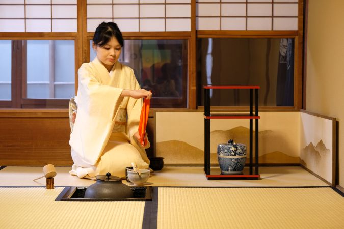 貸切で体験!茶道×きもの×いけばな 120分コース (英語又は日本語)